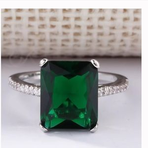 New  silver plated Emerald cz ring
